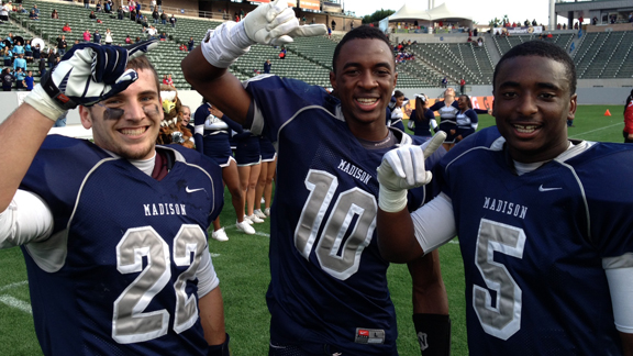 Jamie Gomez (a hero from last week), Lawrence Walker (scored first TD) and Anthony Bryant (tied for team lead in tackles) all contributed for Madison in victory for CIF Division III state bowl title.